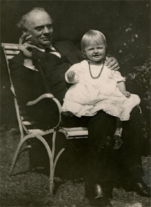 Julius Röntgen with granddaughter Agnes